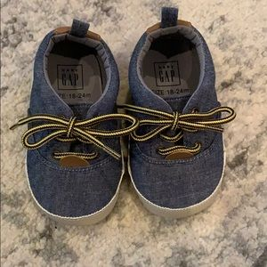 18-24M baby gap shoes